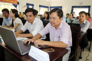 Tập huấn nhập dữ liệu ngành giáo dục