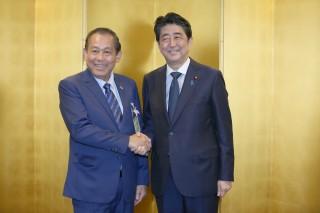 Phó thủ tướng Trương Hòa Bình hội kiến lãnh đạo Nhật Bản