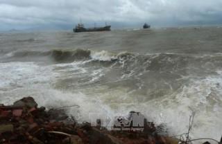 Thông báo khẩn về ứng phó với gió mạnh, sóng lớn trên biển