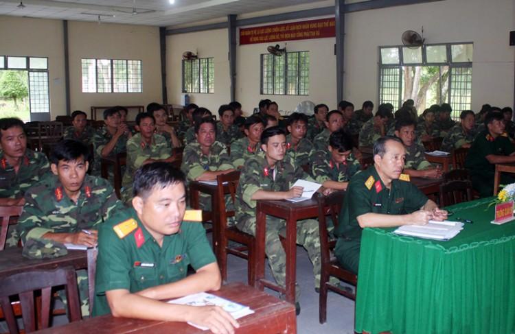 Khai giảng huấn luyện cán bộ dự bị động viên thông tin