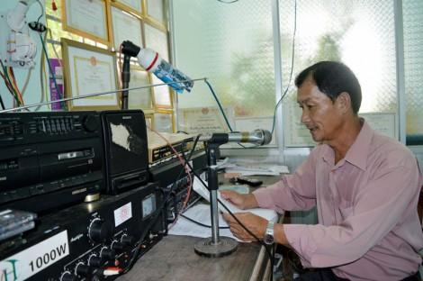Đài truyền thanh cơ sở đưa thông tin đến cộng đồng dân cư