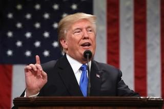"""Tổng thống Mỹ ký sắc lệnh chấm dứt chính sách di cư """"không khoan nhượng"""""""