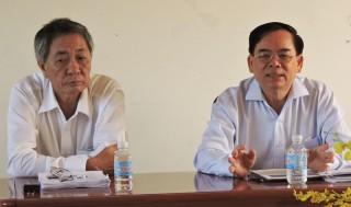 Tổ đại biểu HDND tỉnh đơn vị Ba Tri thảo luận tài liệu Kỳ họp thứ 7 HĐND tỉnh