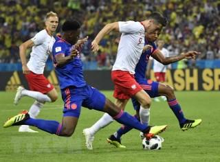 Colombia tiễn tuyển Ba Lan về nước