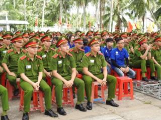 Giồng Trôm ra quân cao điểm chiến dịch Thanh niên tình nguyện hè năm 2018