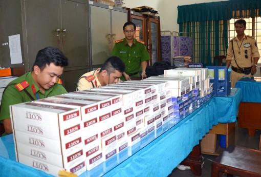 Bắt quả tang vụ vận chuyển 1.000 gói thuốc lá lậu