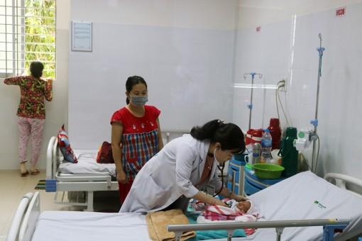 Điều trị thành công ca viêm phổi nặng ở trẻ sơ sinh