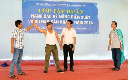 Khai giảng lớp tập huấn Nâng cao kỹ năng diễn xuất và vũ đạo sân khấu