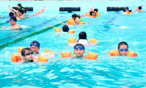 Mỗi huyện, thành phố thêm ít nhất 4 trường thực hiện đề án phổ cập bơi