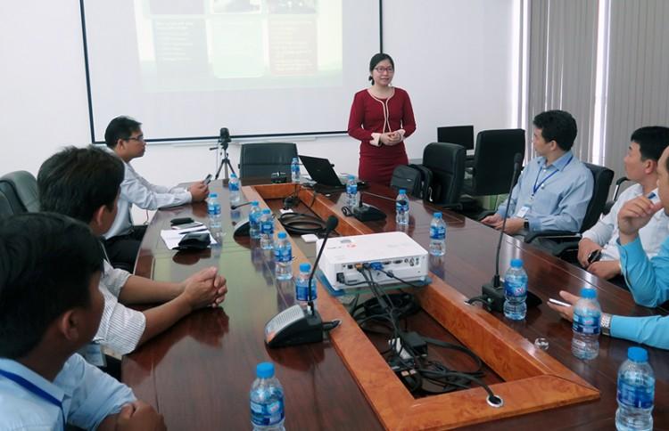 Trung tâm Kinh doanh VNPT Bến Tre tham quan trung tâm dữ liệu tại TP. Hồ Chí Minh