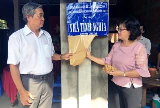 Bàn giao 2 nhà tình nghĩa tại Thạnh Phú