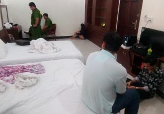 Bắt quả tang 3 đối tượng mua ma túy đá, thuốc lắc sử dụng trong khách sạn