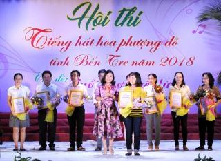 Mỏ Cày Nam đạt giải nhất Hội thi Tiếng hát hoa phượng đỏ 2018