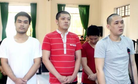 Cướp giật điện thoại di động, 4 bị cáo ra tòa lãnh án