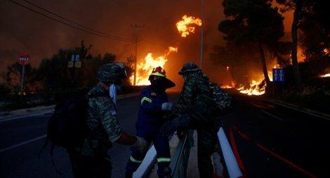 Hy Lạp ban bố tình trạng khẩn cấp vì cháy rừng bùng phát