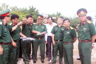 Tư lệnh Quân khu kiểm tra công tác xây dựng cơ bản