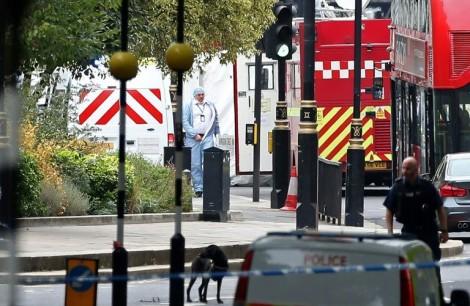 Tấn công tòa nhà Quốc hội Anh, nhiều người bị thương