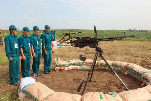 Xây dựng lực lượng dân quân tự vệ trong khu vực phòng thủ