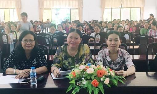 Tuyên truyền chính sách bảo hiểm cho cán bộ phụ nữ cơ sở
