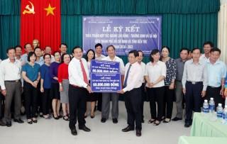 TP. Hồ Chí Minh và Bến Tre ký kết thỏa thuận hợp tác phát triển ngành lao động - thương binh và xã hội