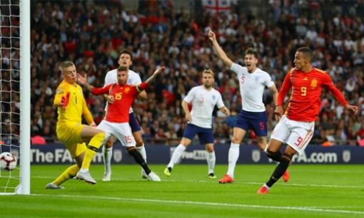 Tây Ban Nha đánh bại Anh ngay tại Wembley