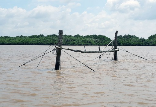 Nghề đóng đáy trên sông Ba Lai