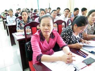 Tập huấn hướng dẫn rà soát hộ nghèo, hộ cận nghèo năm 2018