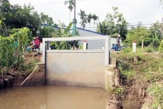 Phú An Hòa và An Phước (Châu Thành): 14 cống ngăn mặn, trữ ngọt không vận hành được