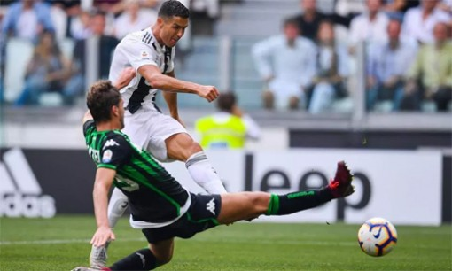 "Ronaldo ""khai hỏa"", Juventus toàn thắng ở Serie A"