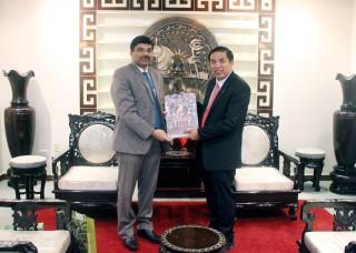 Chủ tịch UBND tỉnh Cao Văn Trọng tiếp Tổng Lãnh sự Ấn Độ