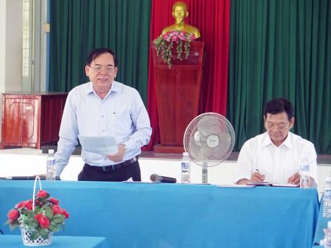 Kiểm tra tiến độ triển khai Ðề án xây dựng giao thông nông thôn ở xã Hưng Lễ