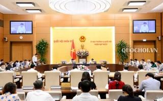 Bế mạc phiên họp thứ 27 của Ủy ban Thường vụ Quốc hội