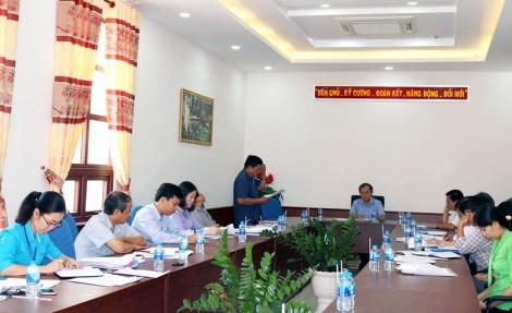 Đoàn giám sát của HĐND tỉnh làm việc với UBND tỉnh
