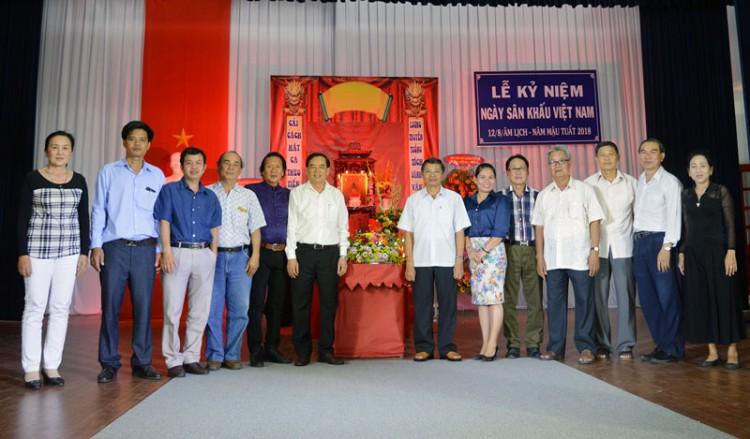 Đoàn Nghệ thuật Cải lương Bến Tre kỷ niệm Ngày Sân khấu Việt Nam