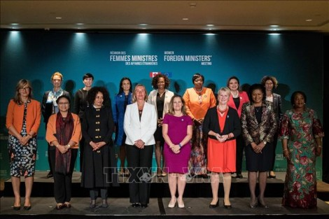 Nhiều vấn đề quan trọng tại Hội nghị các nữ Ngoại trưởng lần đầu tiên