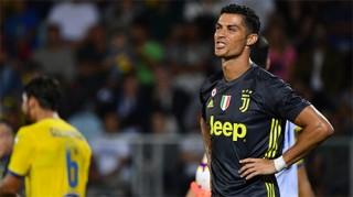 Ronaldo giúp Juventus nối dài mạch toàn thắng
