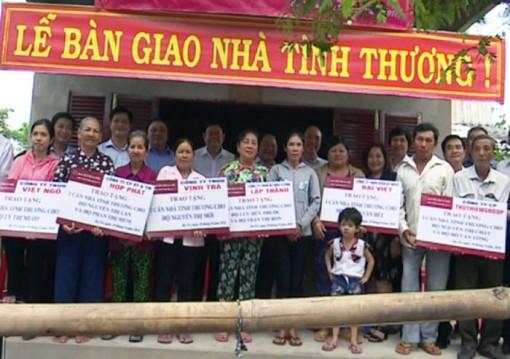 Ba Tri tặng 10 căn nhà tình thương cho hộ nghèo