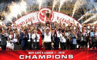 Hà Nội hạ Cần Thơ, mừng nhận Cup vô địch V-League