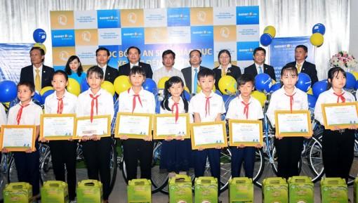 Trao học bổng An sinh giáo dục - Xe đạp đến trường