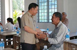 Đại biểu Quốc hội khóa XIV tiếp xúc cử tri Mỏ Cày Bắc, Chợ Lách, Châu Thành và Bình Đại