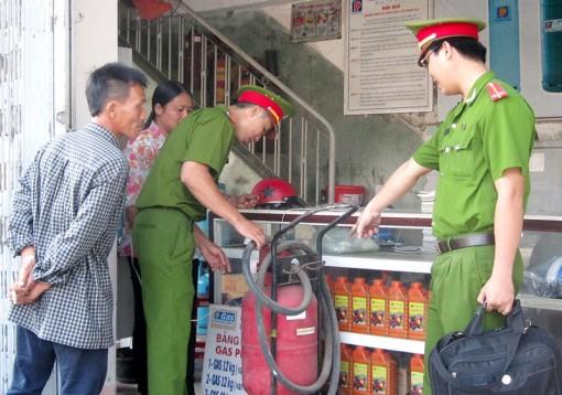 Ngày Toàn dân phòng cháy, chữa cháy 4-10: Cảnh sát phòng cháy, chữa cháy tích cực thi đua hoàn thành tốt nhiệm vụ