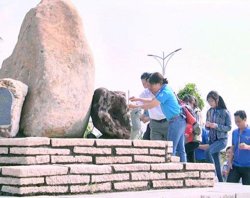 """Đoàn viên, thanh niên huyện Mỏ Cày Nam với hành trình """"Tôi yêu Tổ quốc tôi"""""""