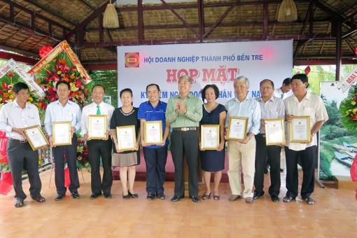 TP. Bến Tre họp mặt kỷ niệm Ngày Doanh nhân Việt Nam