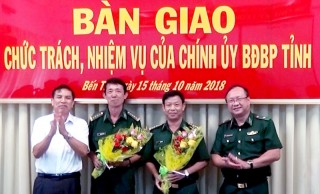 Bàn giao Chính ủy Bộ đội Biên phòng tỉnh