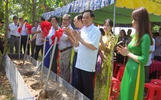 Phó bí thư Tỉnh ủy dự lễ khởi công xây dựng cầu ở An Phú Trung