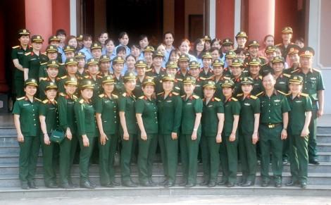 Những bông hoa tháng 10 trong lực lượng vũ trang tỉnh