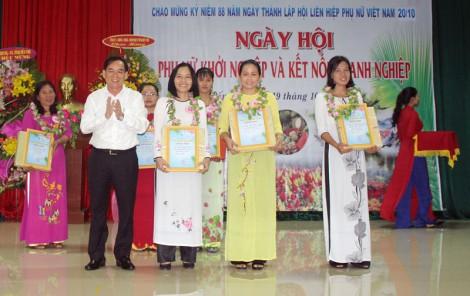 """Chị Ngô Song Đào đạt giải nhất hội thi """"Ý tưởng phụ nữ khởi nghiệp"""" năm 2018"""