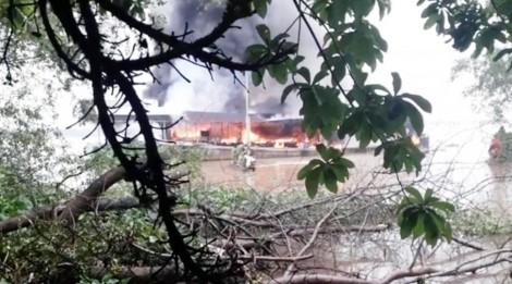Nổ bình gas gây cháy trên tàu dầu, một người chết tại chỗ