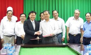 Bến Tre - Bình Dương ký kết hợp tác trong lĩnh vực hệ thống công nghệ thông minh