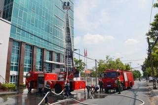 Thực tập chữa cháy tại trụ sở làm việc các cơ quan khối mặt trận - đoàn thể tỉnh